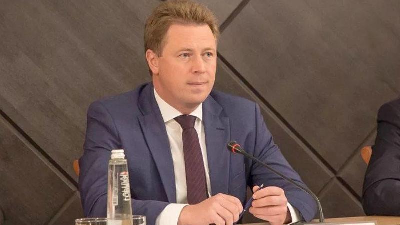 «Единая Россия» исключила экс-губернатора Севастополя Дмитрия Овсянникова из партии и требует его увольнения