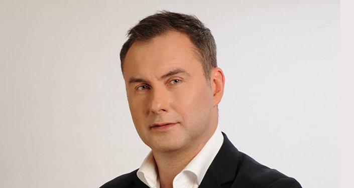 Психолог Михаил Козлов вышел с одиночным пикетированием центрального офиса МТС
