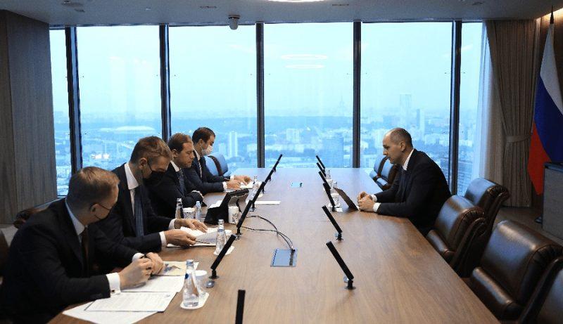 Минпромторг поддержал хризотил: глава ведомства о «горном льне», «Оренбургских минералах» и индустрии в целом