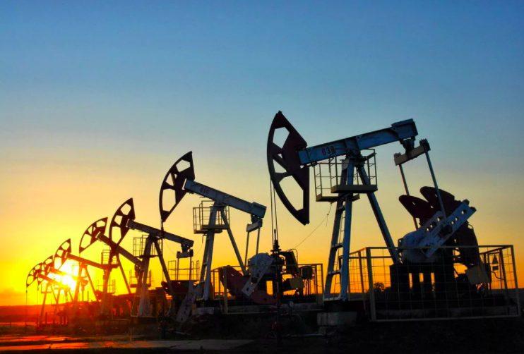Командующий ЛНА возобновил добычу нефти ради улучшения качества жизни ливийцев