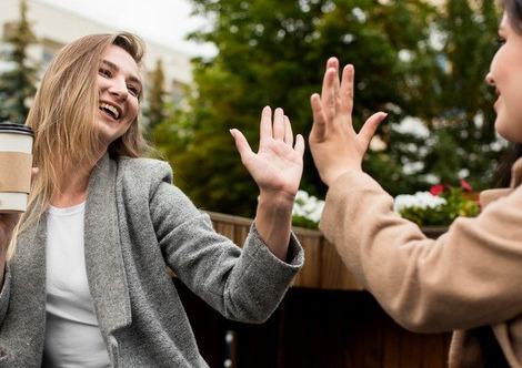Делобанк объявил о запуске акции «Приводи друзей»